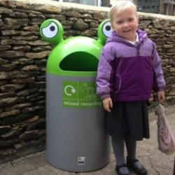 EB109 Space Buddy Novelty Recycling Bin #2